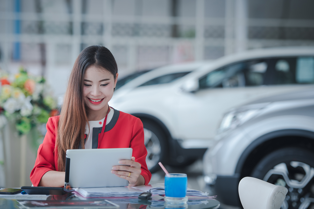 Keep Customers Engaged Auto Dealership Rewards App