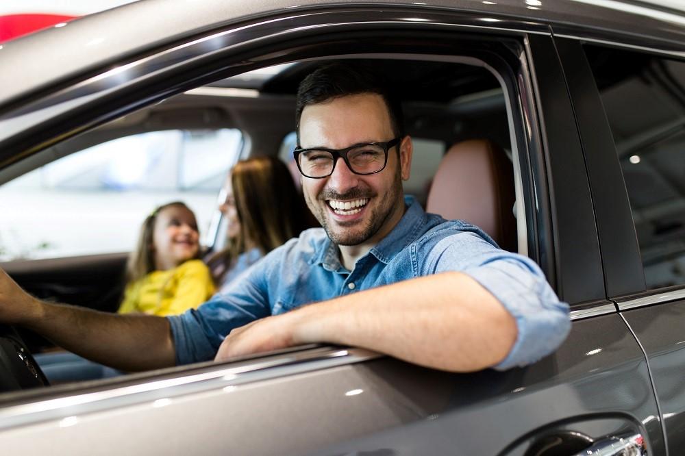 Managing auto dealership loyalty program