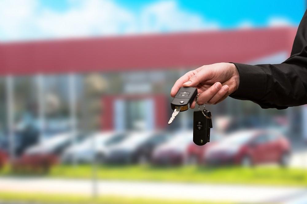 Design an auto dealership maintenance program